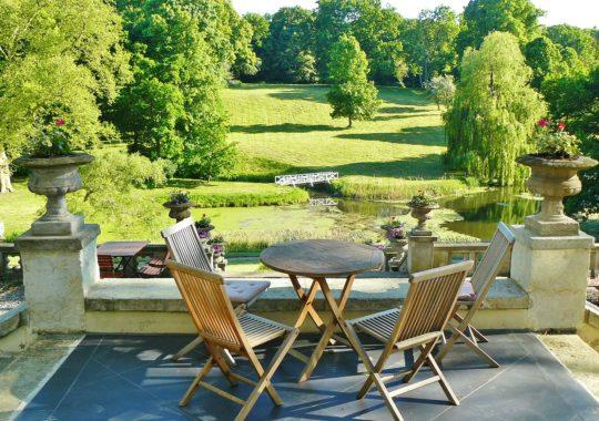 Bien choisir son meuble de jardin pour surprendre ses invités