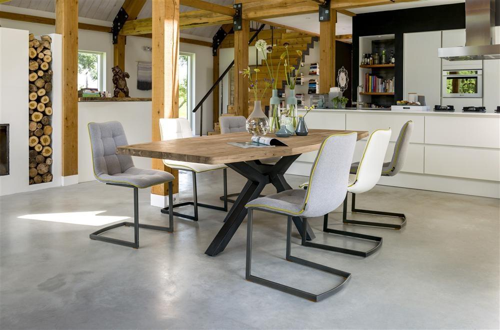 Le confort optimal dans le salon avec les chaises de bar